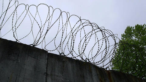 wall with barbed wire Filmmaterial