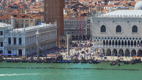 People enjoying city tour in Venice, view on Saint Mark's square, sightseeing Footage