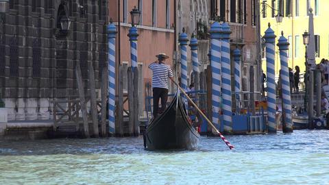 Venice Tourist Gondola Live Action