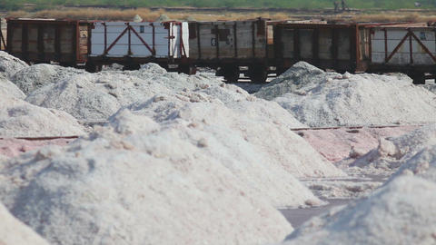 Salt mining in Sambhar, accident - train derails Footage