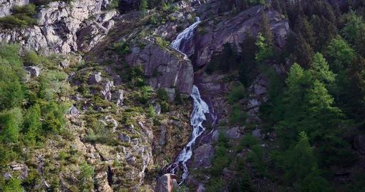 Alpine Watwerfall Aerial tracking 画像
