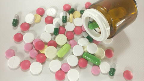 Pills and capsules Zooming