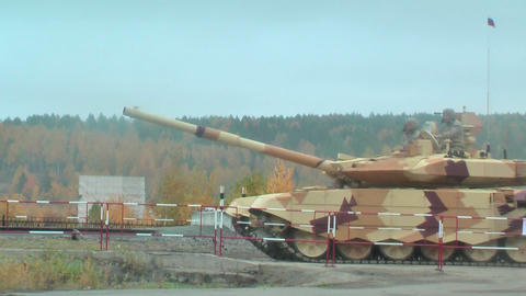 Two tanks T-90S in motion Footage