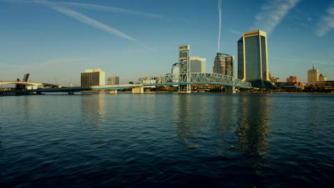 Time-Lapse of the Skyline of Jacksonville, Florida with Drawbridges Going Up and ビデオ
