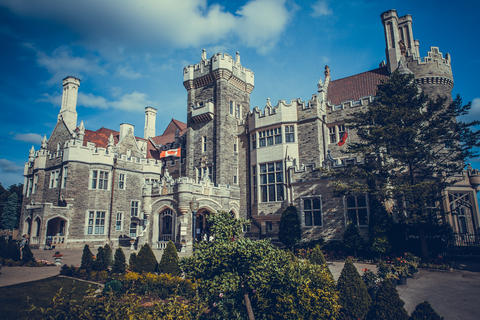 castle of Casa Loma in Toronto in the summer フォト