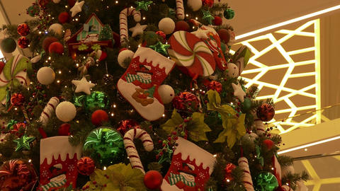 4K Big Decorated Christmas Tree in Large Multi-Storey Shopping Mall Flickers Footage