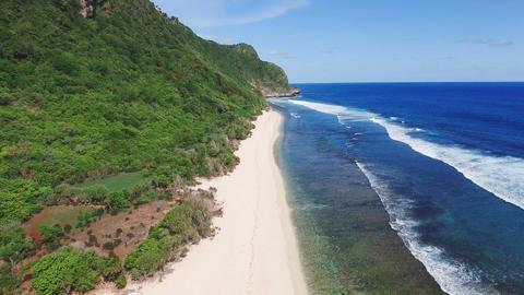 Secret empty white sand beach aerial ビデオ