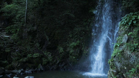The Japanese waterfall where the legend of the dragon remains Footage