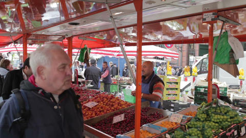 00208 EDIT Fishmarkt HAM Stock Video Footage