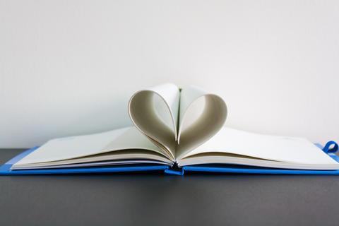 Heart Book フォト