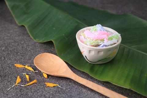 "Thai dessert ""Khanom Duang"" (Sticky Morsels) Foto"