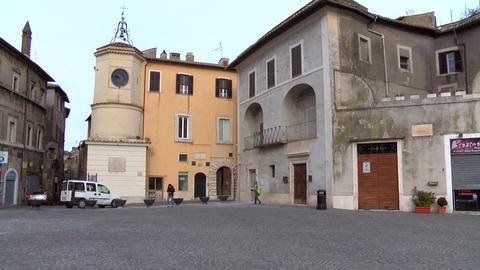 A beautiful square in Tivoli Italy ビデオ
