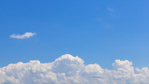 the summer clouds (a bank of clouds) 画像