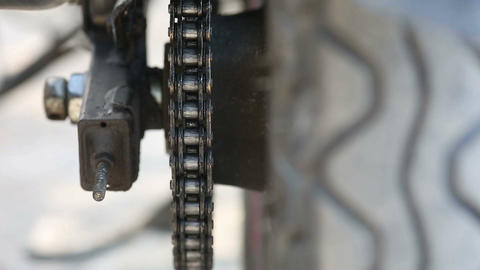 Chain Maintenance Close Up Filmmaterial