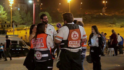 Group of paramedics talking each other during Israel 69th Independence day celeb 画像