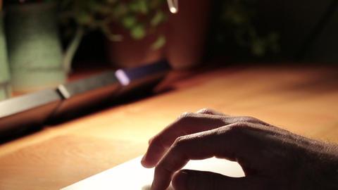 Hand using touch pad with iMac ライブ動画