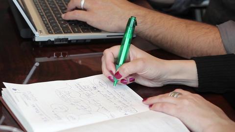 Writing in notepad ビデオ
