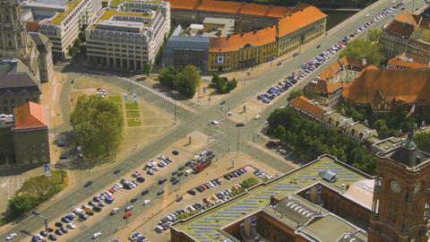 Aerial view of cars in a road junction in a street of Berlin city Filmmaterial