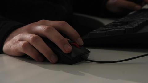 Using keyboard and mouse ライブ動画