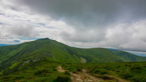 Mountain Peak in Clouds ビデオ
