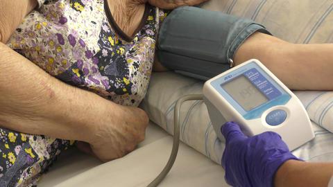 Measurement of blood pressure Live Action