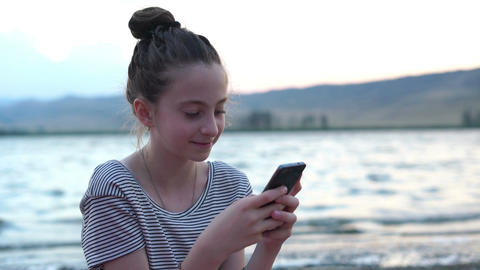 little girl using phone Stock Video Footage