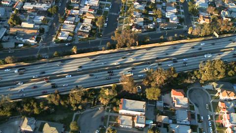 Aerial freeway fly ビデオ