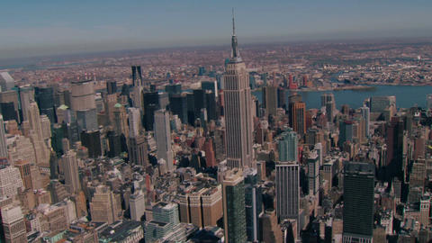 Zoom on empire state building Live Action