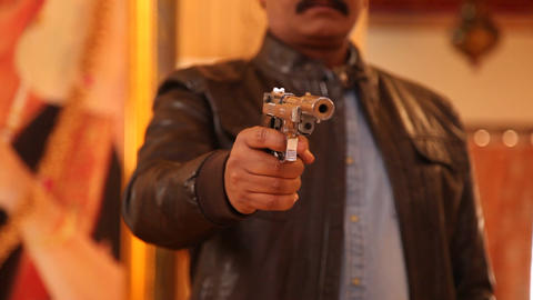 Revolver in a hand, Live Action