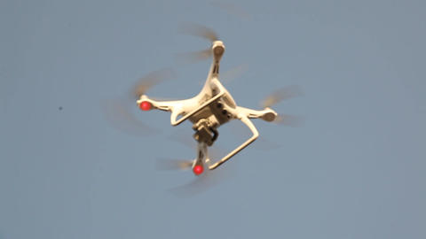 Aerial drone with an action camera ビデオ