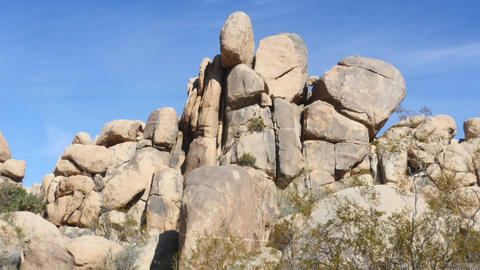 Big rocks, Zoom out time lapse of rock piles in Joshua tree national park, in Footage