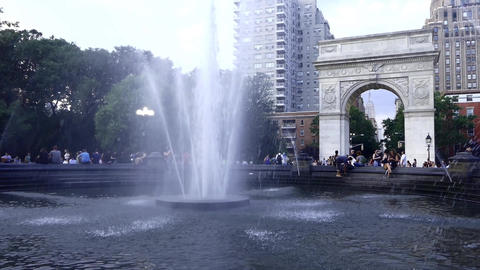 New York Washington Square Park Live Action