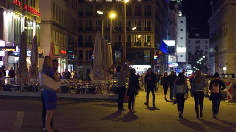 VIENNA, AUSTRIA - AUGUST 11, 2017. Busy city square in the evening Footage