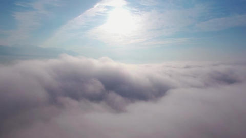 Aerial video in a sea of cloud ( zoom in ) 영상물