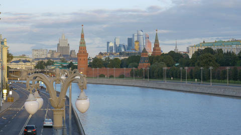 MOSCOW, RUSSIA, August 28, 2017: View of the Kremlin from the Great Moscow River ビデオ