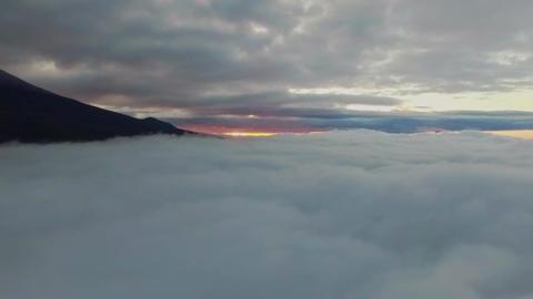Aerial video in a sea of cloud ( rise upturn ascend ) 画像