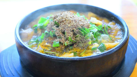Korea Food,hot boiling soup,Pork on the Bone Soup , korean food Archivo