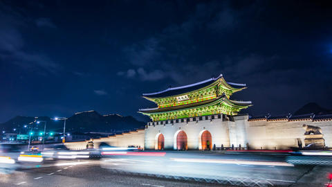 Time lapse of Gyeongbokgung palace and traffic at night in Seoul,South korea Live Action