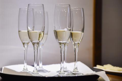 champagne glasses フォト