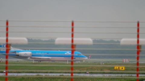KLM Cityhopper Fokker 70 taxiing Footage