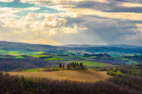 Scenic view of tuscan countryside Foto