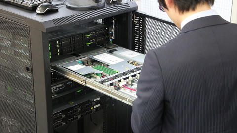 Exchange of hardware parts of server computer GIF