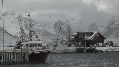 Fishing Boats and Blizzard. Slow Motion ビデオ