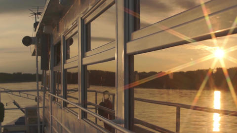 Sunset Reflection Windows River Ship ビデオ