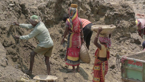Indian family working as labours Filmmaterial
