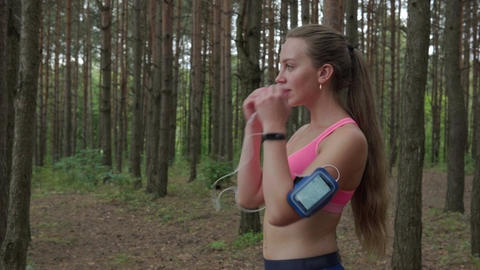 woman getting ready to run Footage