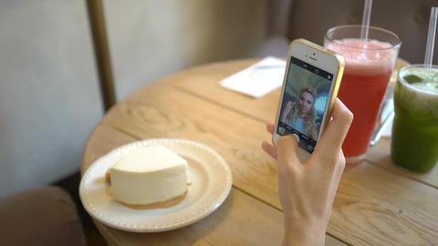 4K Girl In Cafe Take Selfie Shape Flat Lines, Live Action
