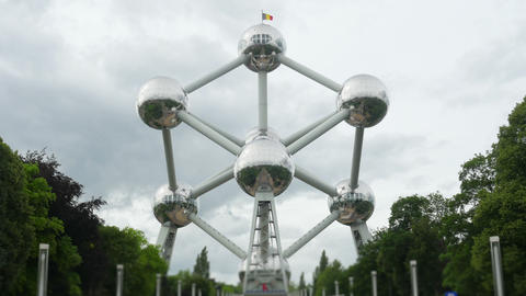 atomium, landmark of brussels, belgium, timelapse, zoom in, 4k Footage