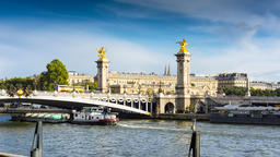 Alexandre III bridge Footage