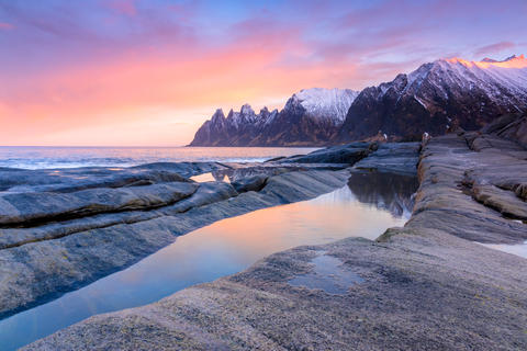 Morning on the Stony Beach of Norway フォト